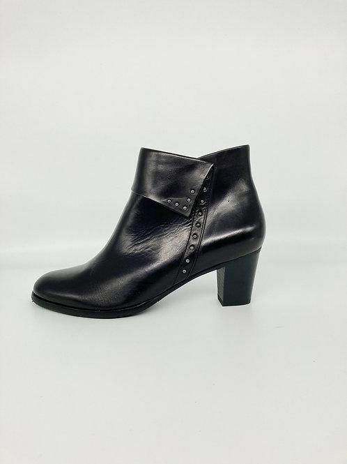 Regarde le Ciel mid heel black boot. RG003