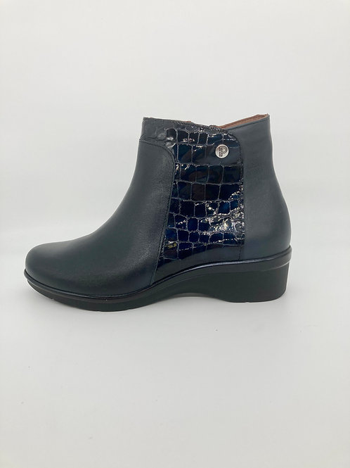 Pitillos Navy Ankle wedge Boots. P002