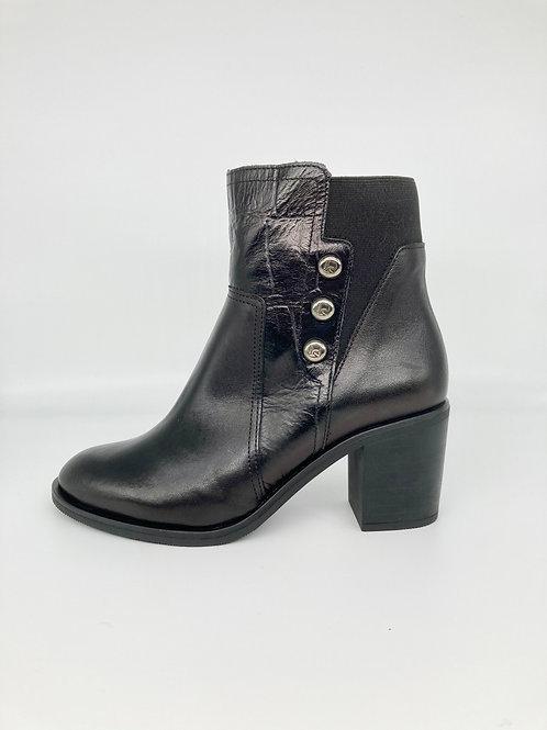 Jose Saenz Black High Block Heel Boot. JS008