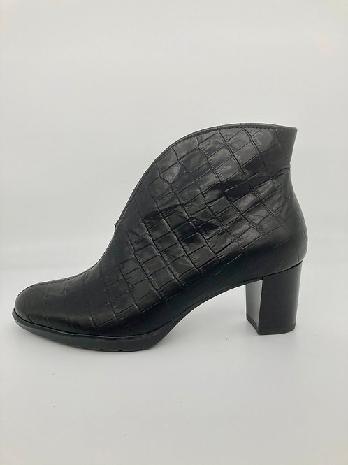 Ara Black Croc Leather Boot. A010
