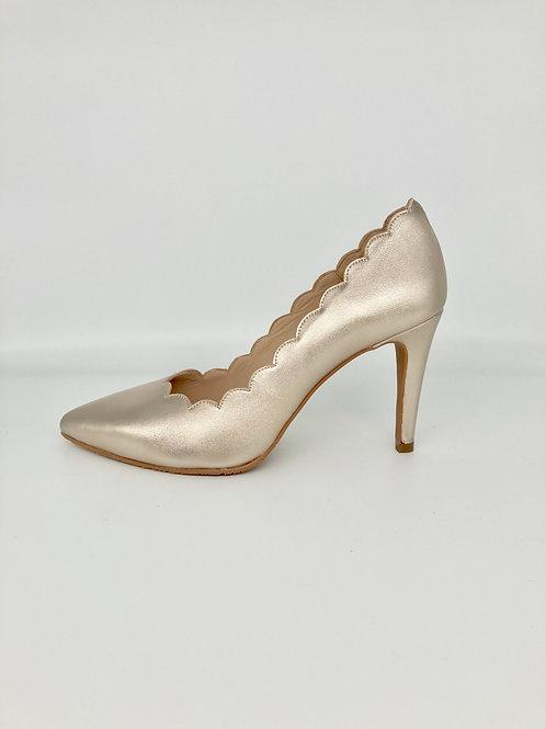 Brenda Zaro Gold Scalloped Court Shoe. BZ007