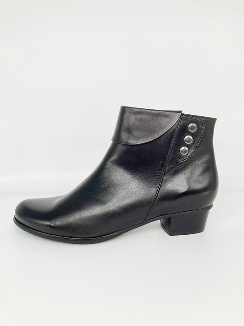 Regarde le Ciel Black Ankle Boot. RG002