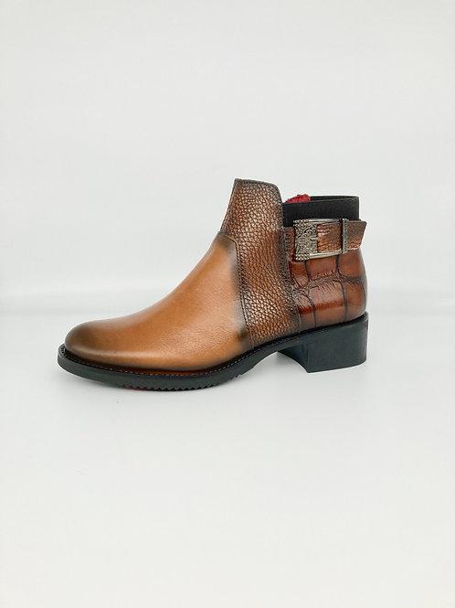 Jose Saenz Tan Ankle Boot. JS003