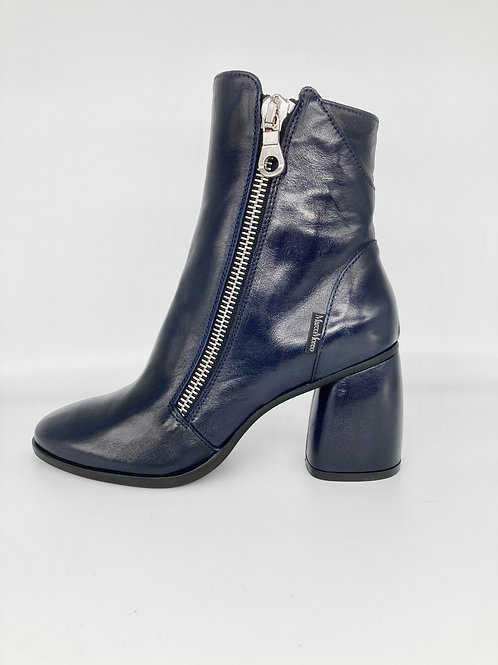 Marco Moreo Navy Boots. M004