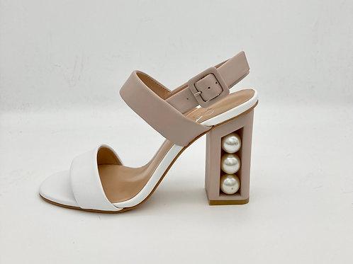 Moda in Pelle Cream & Taupe Sandal. M006