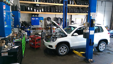 VW Tiguan White.jpg