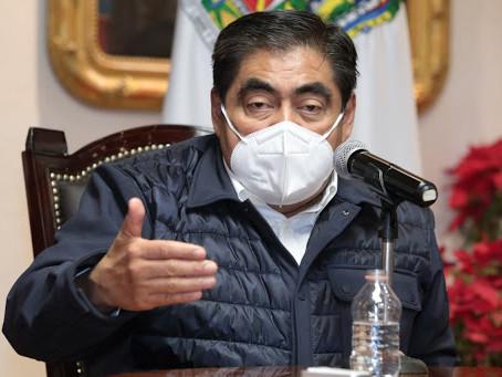 El gobernador de Puebla declara que el proceso de vacunación por covid19 será sin manipulaciones.