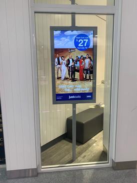 Shopfront LCD Screen Display Cabinet