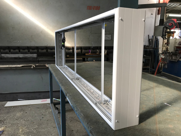 Extruded Aluminium Lightbox with LED's