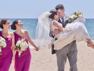 Beach wedding: HOW TO DRESS?