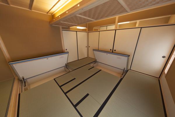 8畳茶室・床下収納
