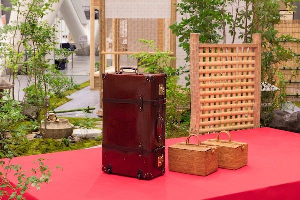 Zen-An禅庵、スーツケースと茶道具