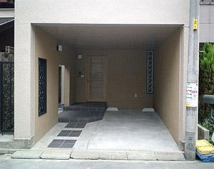 玄関アプローチ 車庫