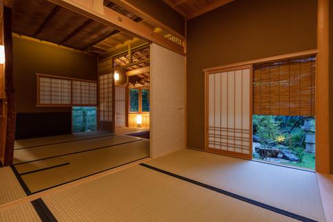 東京都港区の茶室「華久庵」の広間