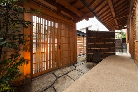 東京都目黒区の茶室・和風建築「東籬庵」玄関