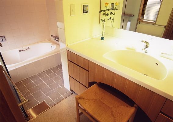 洗面脱衣、浴室