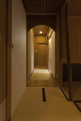 二畳台目隠し扉