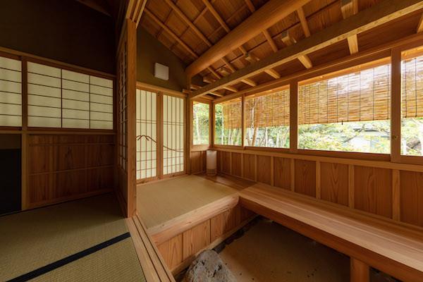東京都港区の茶室「華久庵」の腰掛け