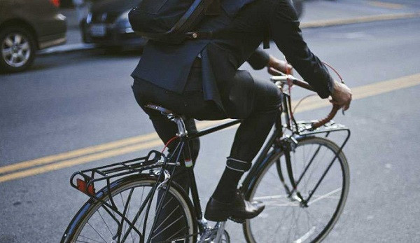 Ir a trabajar en bicicleta trae beneficios en un muchos aspectos