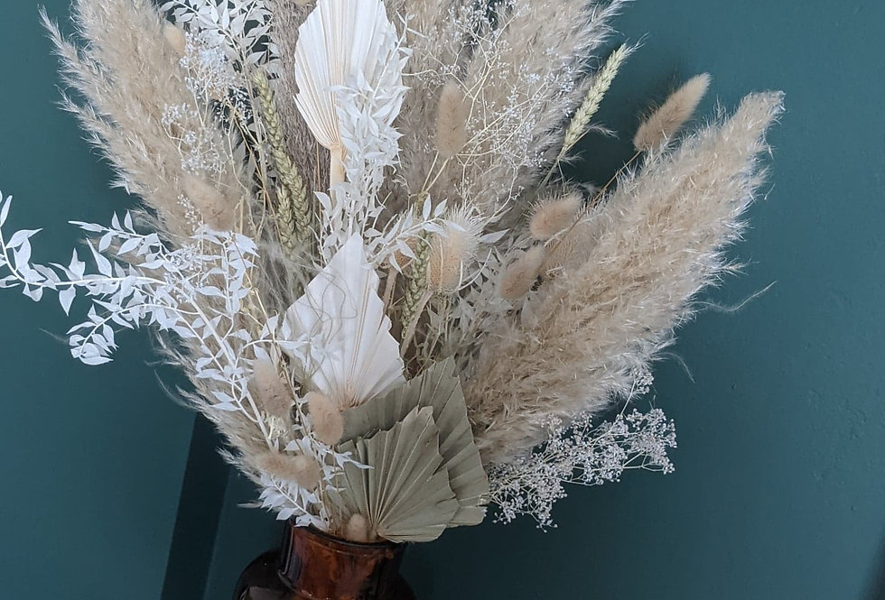 Large Neutral dried flower bunch in vase