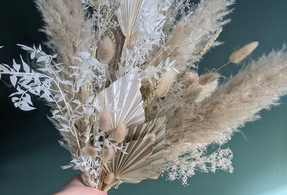 Large Neutral dried flower bunch.