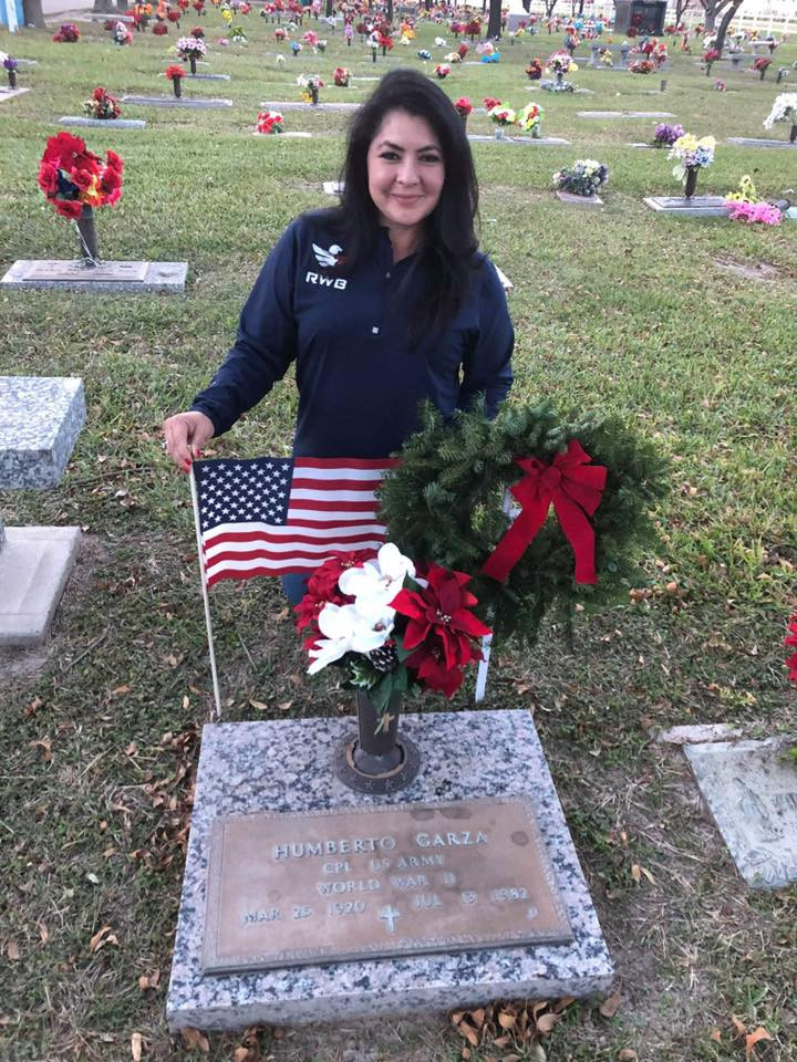 WAA RW 2018 lady at gravesite Humberto G