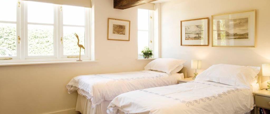 Bedroom 5 (twin)