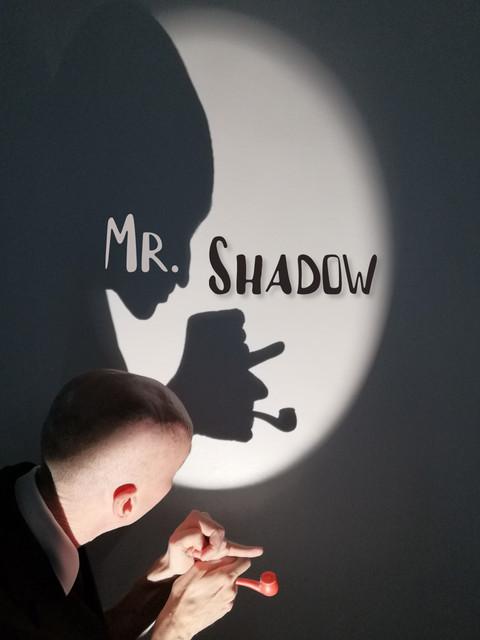 Mr Shadow, théâtre de marionnettes sur le Puppet Theatre Barge.