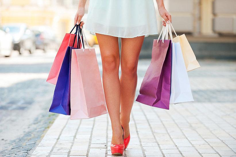 Shopping-Frau-Einkaufen-Sommer_image_120