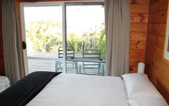 Bed 1 (4).JPG