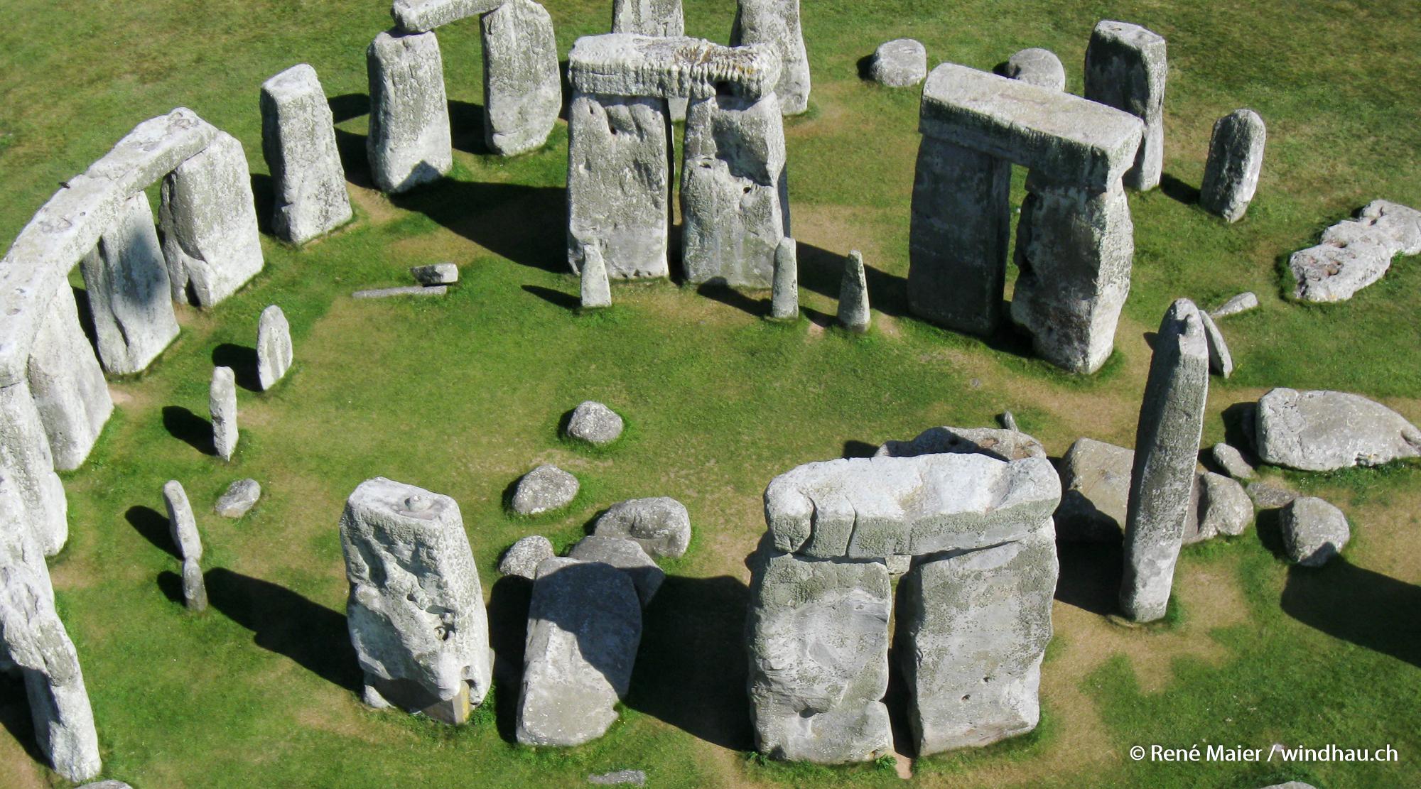 Stonehenge_2011_007