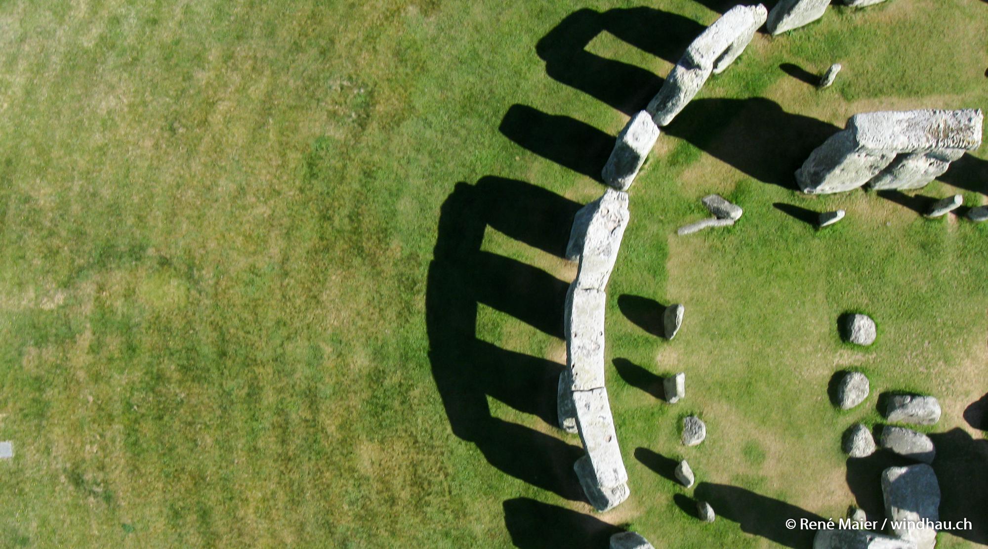 Stonehenge_2011_012