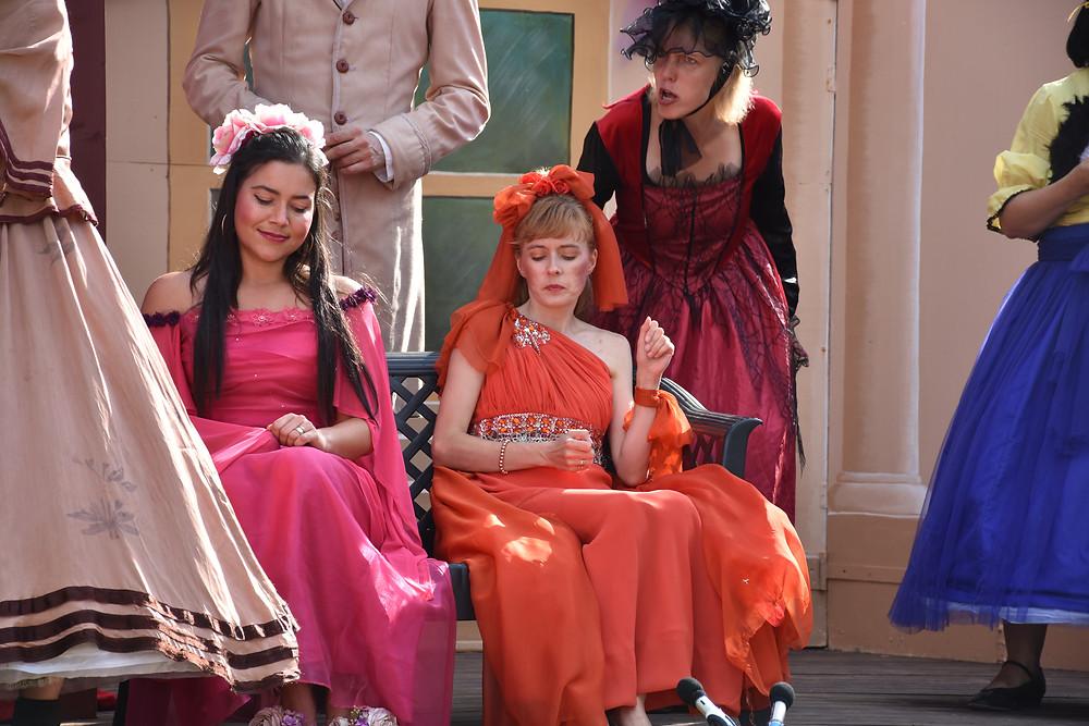 Printsessid Pojeng (Agnes Moritz-Kool) ja Roos (Doris Pavlov) võistlushoos