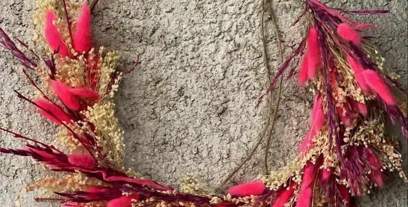 Couronne fleurs sèches fuchsia