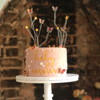 Single tier baby shower cake with stars