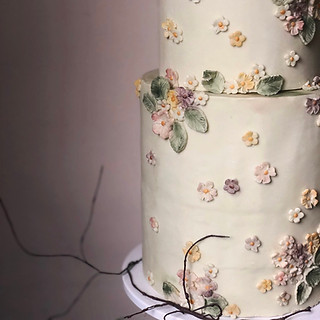 Three tier fondant with flowers