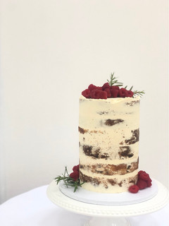 Single tier semi naked cake with raspberries 📸 by Mustard Yellow Photography