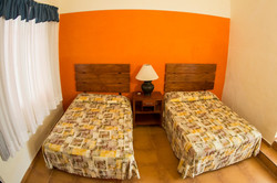2 camas matrimoniales por habitación