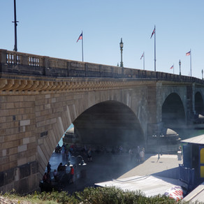 London Bridge isn't Falling Down