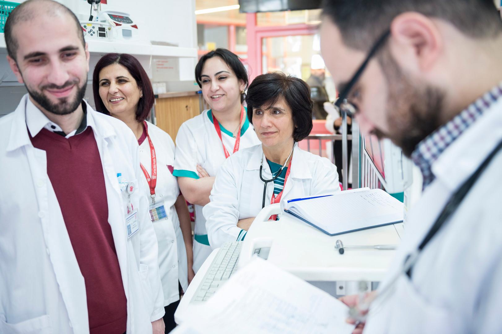 Chefärztin Dr. Hiyam Marzouqa und Team