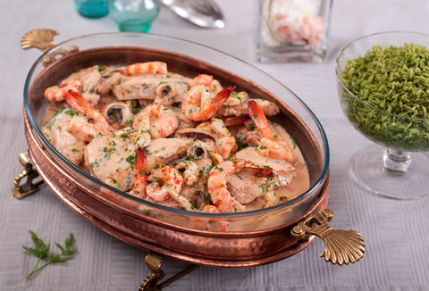 Mixed seafood in pink sauce + Green rice