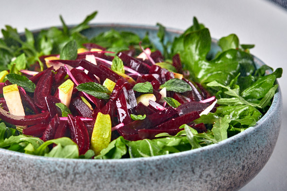 Beetroot salad with pears