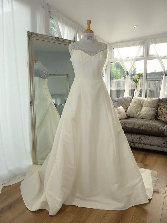 Designer - Organza Bridal Size 14 £400 Ref SK07