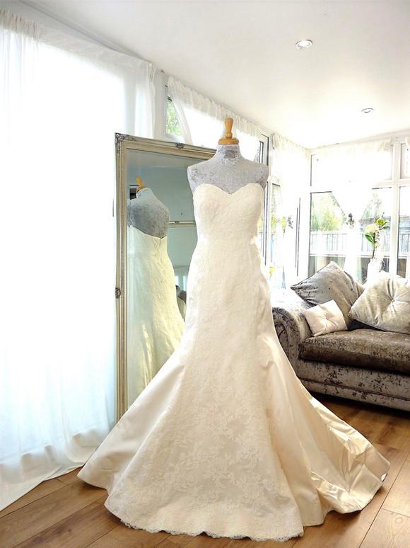 Designer - Watters Bride Size 12-14 £450 Ref SK05