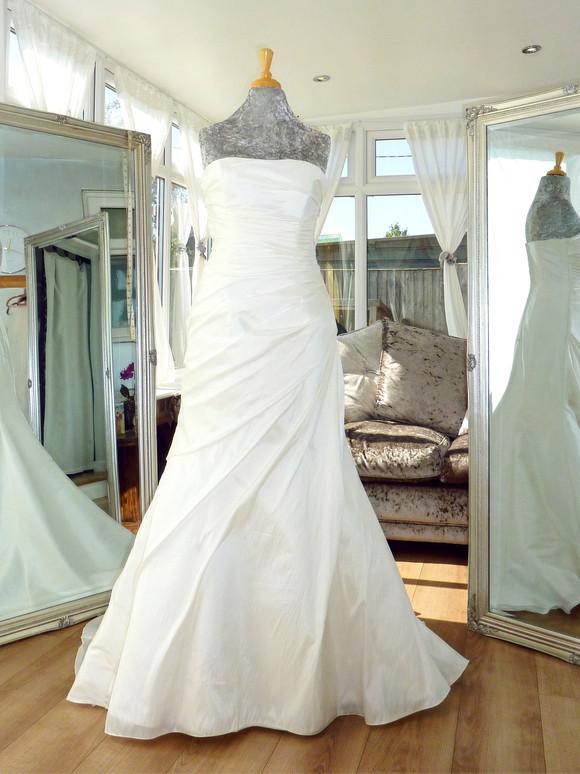 Designer - Romantica Size 12-14 £450 Ref SK17
