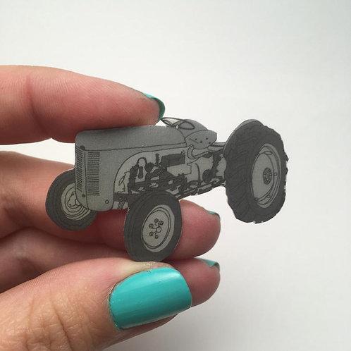 Grey Fergie Tractor Brooch (Ferguson TE20)