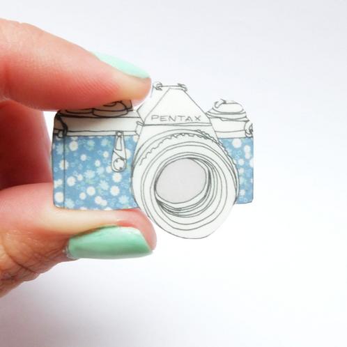 Blue Retro Floral Camera Brooch