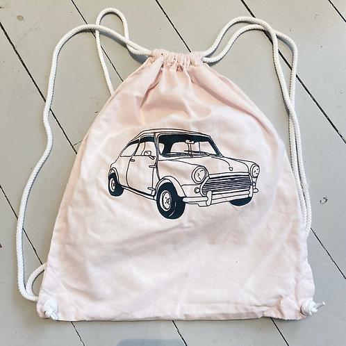 Pink mini gym bag.