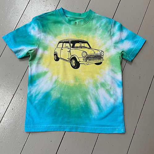 Childs tie dyed T-shirt age 5-6