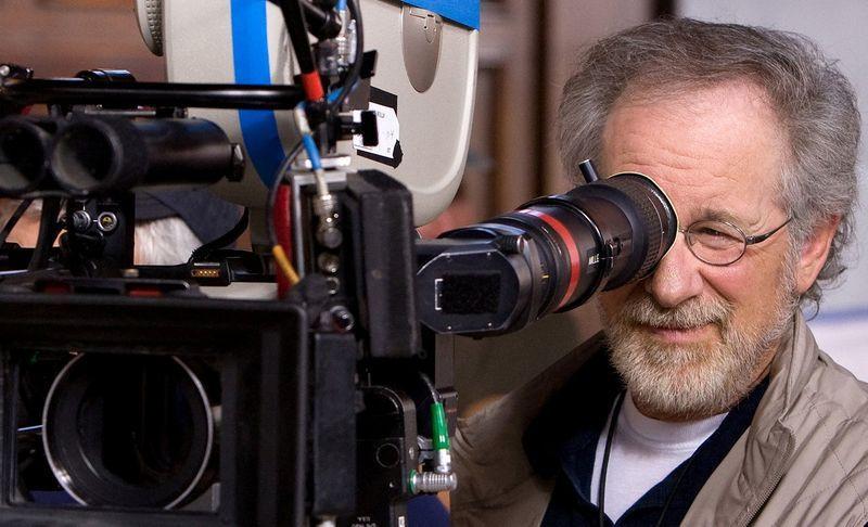 Steven-Spielberg-directing.jpg